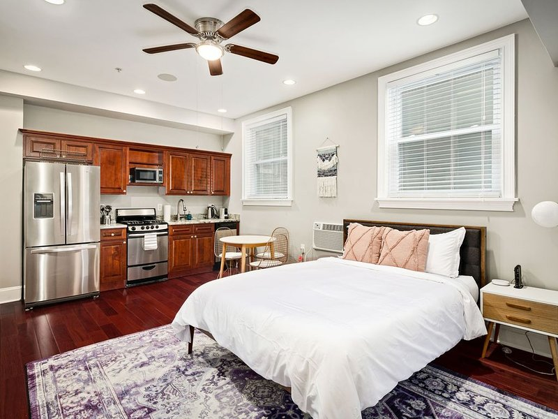 Bright Studio in Philly's Old City (Chestnut Ave), vacation rental in Mount Laurel