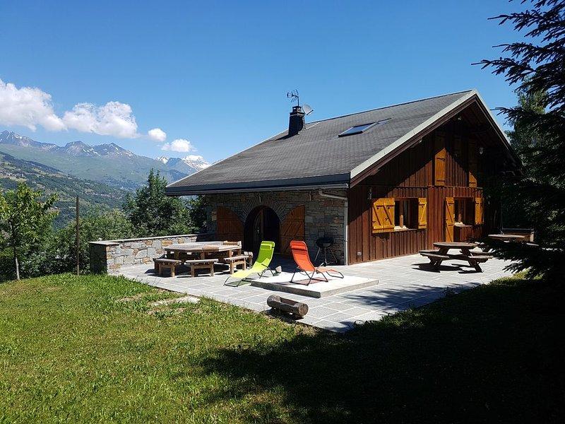 Grand chalet 4* avec terrasse et vue imprenable à 5 minutes du domaine Paradiski, holiday rental in Les Coches