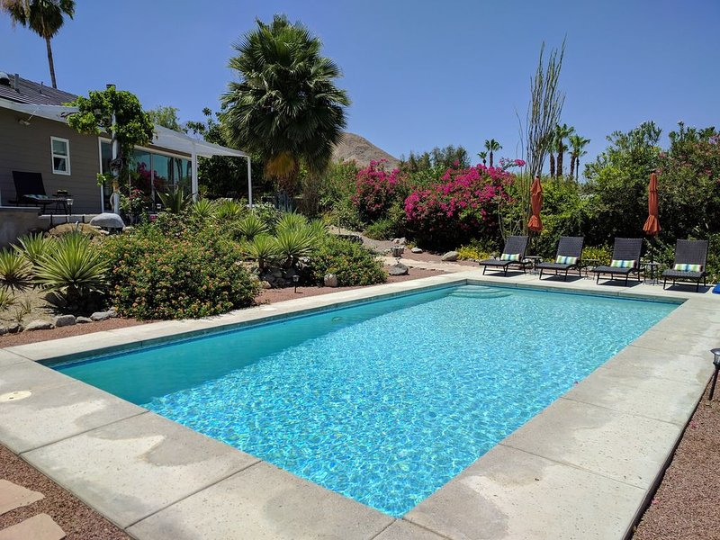 Plateau.....Simply Above the Rest. 3BD/2BA Luxury View Home, holiday rental in Cathedral City