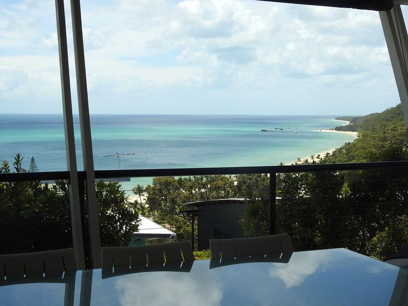 Watch the world go by., holiday rental in Moreton Island