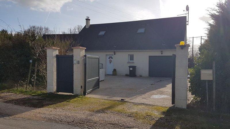 Maison familiale proche des Châteaux de la Loire, holiday rental in Saint-Nicolas-des-Motets