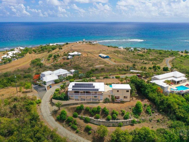 Tranquil Caribbean Getaway! Welcome to Dos Casas!, location de vacances à Kingshill