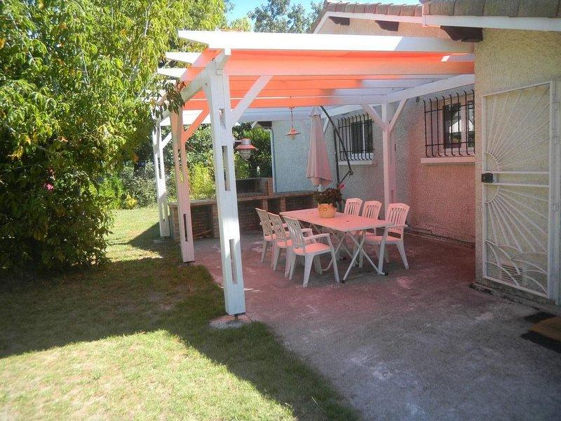 LE CHÊNE aux OISEAUX  sur le BASSIN D'ARCACHON, 3 ch, gr jardin arboré, ***, holiday rental in Audenge