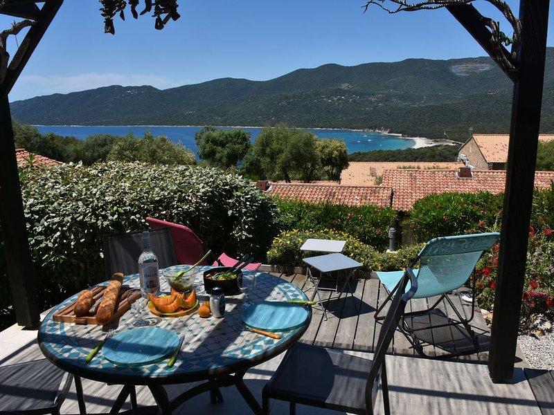 Mini-villa, magnifique vue mer - piscine chauffée - résidence *** Serra Di Ferro, holiday rental in Serra-di-Ferro