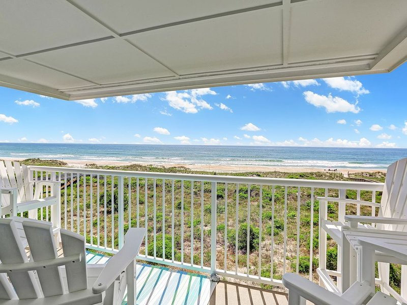 Gorgeous TOP Floor - Oceanfront Luxury Condo with Garage!, holiday rental in Wrightsville Beach