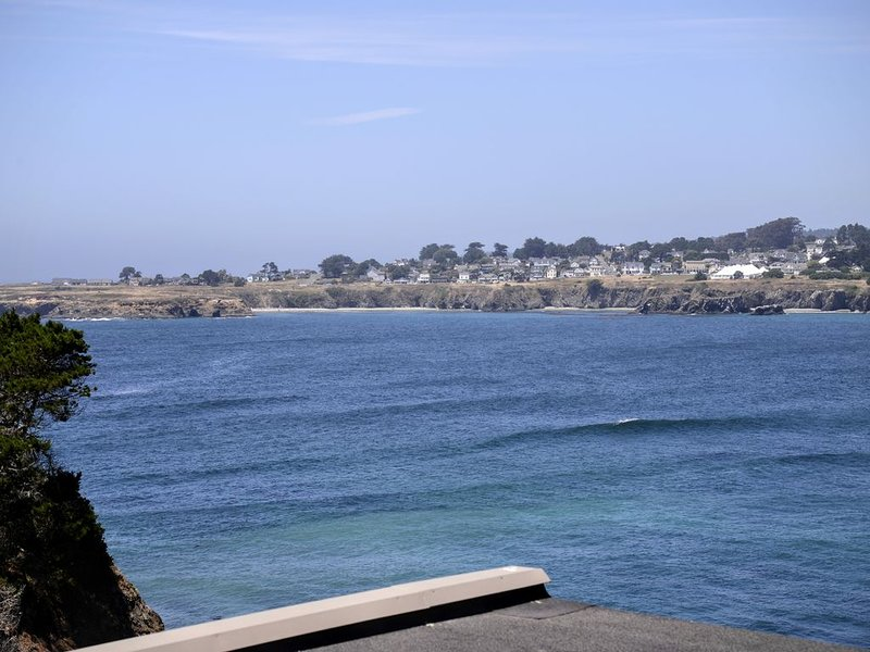 Pacifica Suite - BEST OCEAN FRONT, PRIVATE & SECLUDED,  NEW CLEANING STANDARDS, alquiler de vacaciones en Mendocino