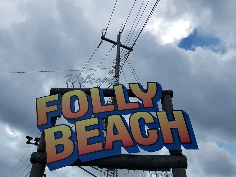 LOCATION & OUR PRICING HAS GUEST BOOKING -PLEASE GET THE DATES YOU WANT!!, holiday rental in Folly Beach