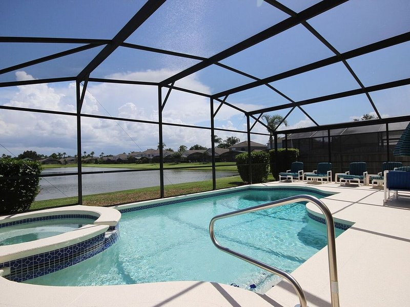 South-facing, private pool/spa, interior games room, Wifi, monitored alarm, vacation rental in Celebration