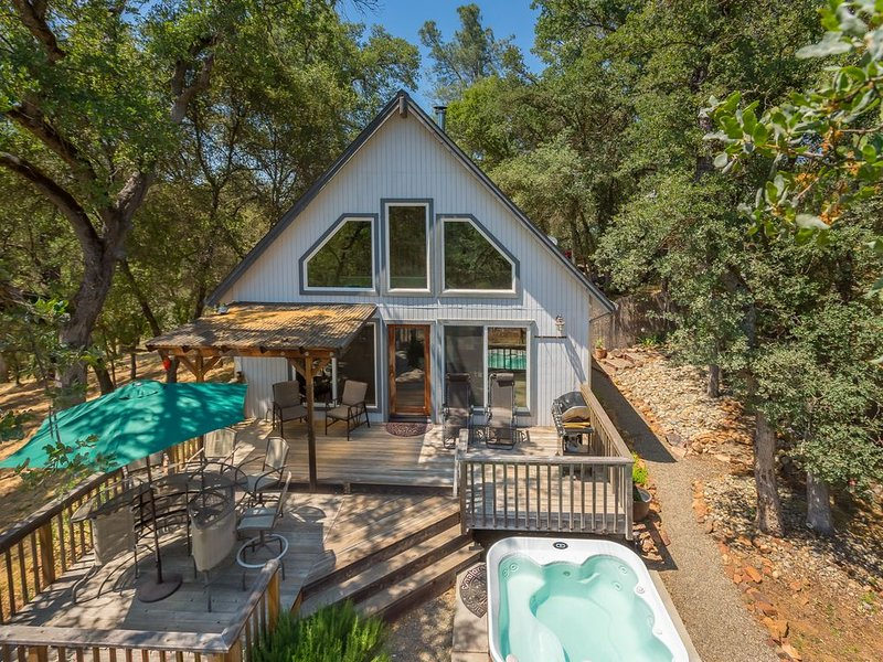 Winter Special! Charming Cottage with Beautiful Views and Close to Yosemite Park, location de vacances à Mariposa