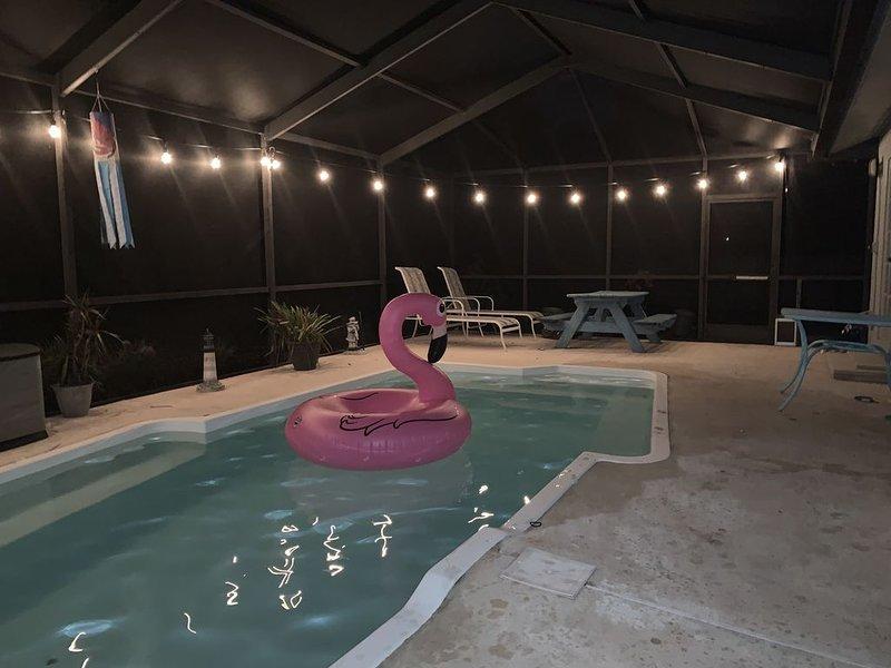 Palm Harbor Seasonal Rental Getaway! Family and Business Friendly!, alquiler de vacaciones en Crystal Beach