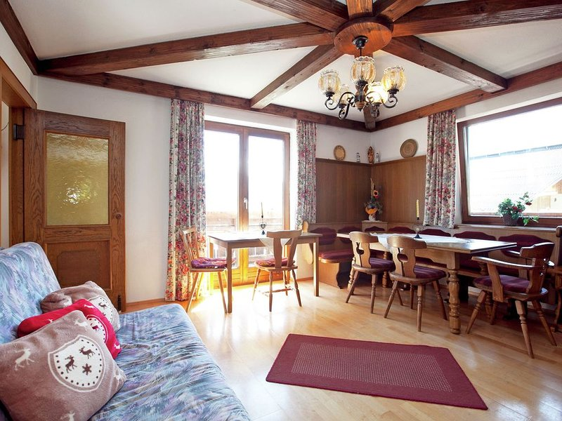 A holiday home next to an organic farm, in a quiet area in Wagrain., vacation rental in Wagrain