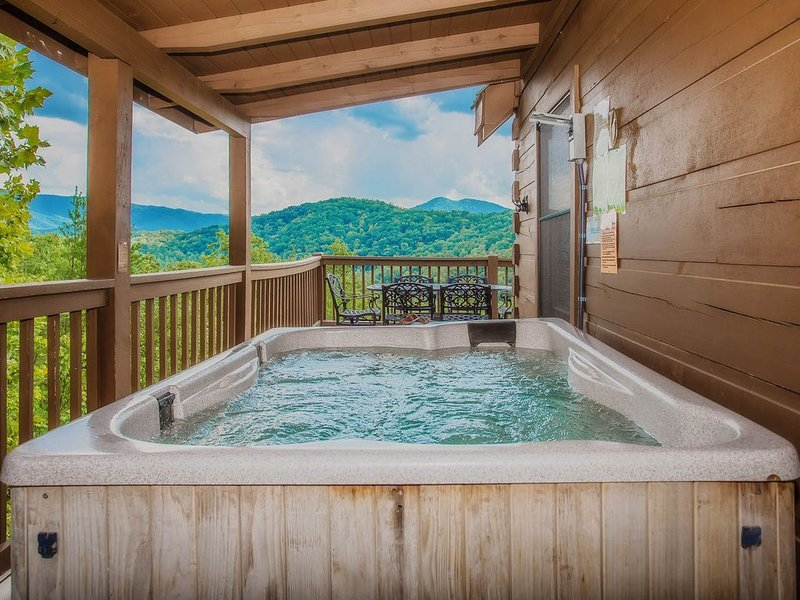 Free Tickets | 'The Scenic Route' Quiet location! Hot Tub + a View!, holiday rental in Wears Valley