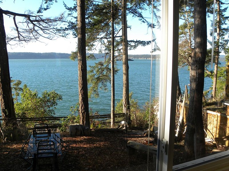 Waterfront relaxing, getaway. Strict disinfection., location de vacances à Mount Vernon