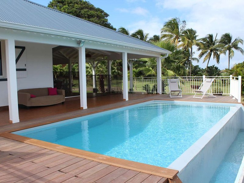 Magnificent villa with panoramic sea views, 3bd (6 people), alquiler vacacional en Basse-Terre Island