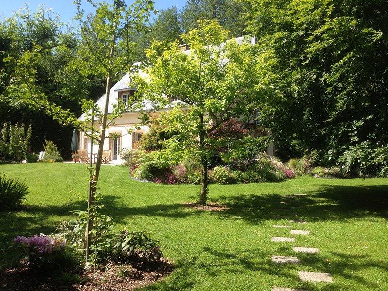 Proche d'Etretat et de Fécamp: charmante maison de caractère en lisière de bois, vacation rental in Sassetot-le-Mauconduit