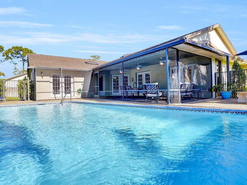 Pool House  near Equestrian  Heart of Wellington  Newly remodeled 2019, holiday rental in Loxahatchee