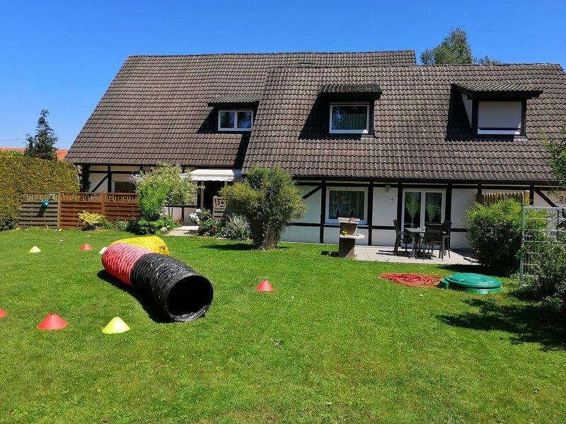 Große Ferienwohnung mit Garten und sep. Eingang, holiday rental in Aalen