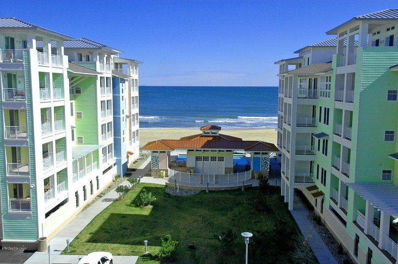 Stunning Ocean Views, Sweeping Sunsets, Oceanfront! Wrap-around balcony, alquiler de vacaciones en Virginia Beach