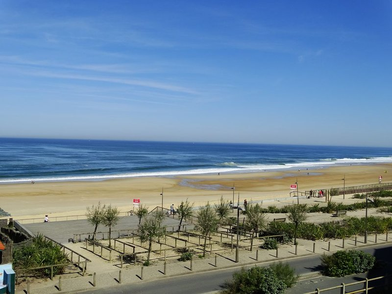 HOSSEGOR , VUE ET ACCES OCEAN , WIFI, PARKING, holiday rental in Soorts-Hossegor