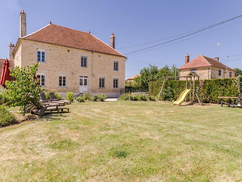 Maison en pierre à la croisée de la Foret d'Orient et du vignoble champenois, holiday rental in Eclance