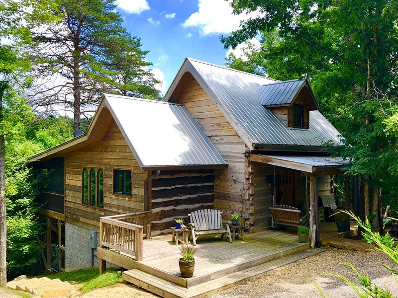 New2BR/2Bath1800's Original Romantic Cabin(1-2 night stay accepted Mon-Thu)rs, holiday rental in Mentone