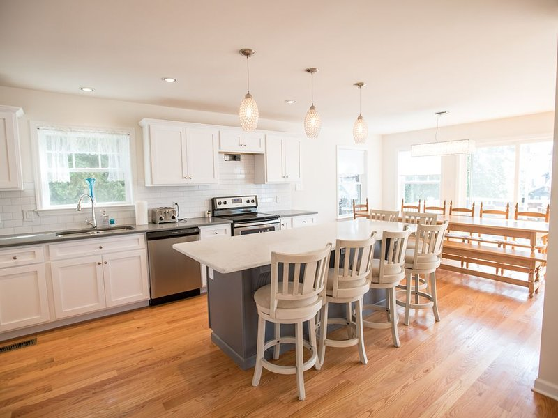 5 Bed 5 Bath Beautiful Brand NEW home, water views, walk beach and more, holiday rental in Middletown