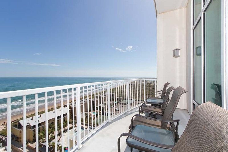 Sapphire Luxury Condo 1908, holiday rental in Port Isabel