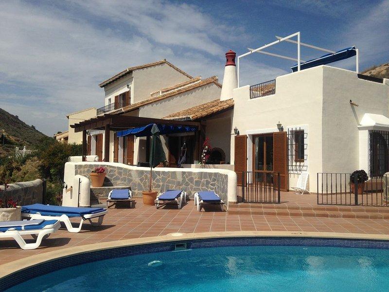 Individual 3 bed villa with private pool, air-con, broadband & stunning views., holiday rental in Llano del Beal