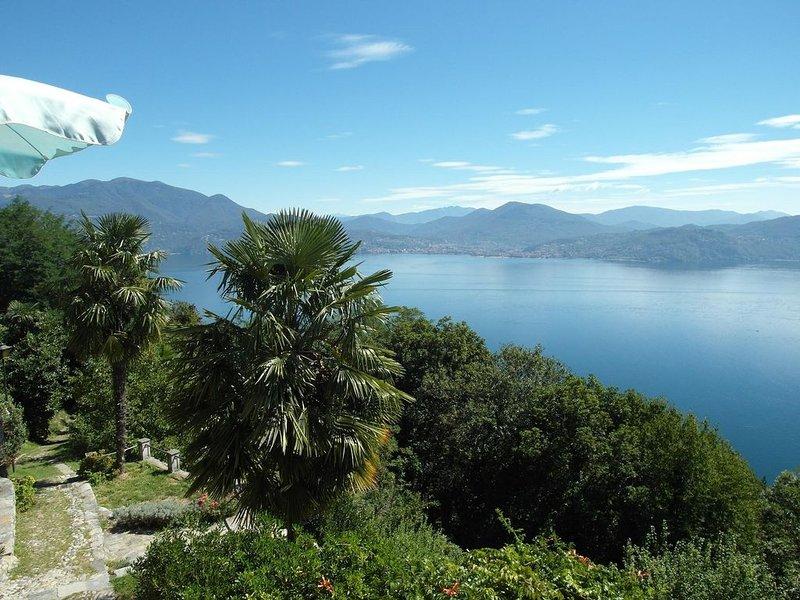 Malerisches Kleinod in einzigartiger Panormalage am Lago Maggiore!, vacation rental in Province of Verbano-Cusio-Ossola