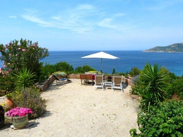 Appartement Galéria Vue panoramique sur mer et montagne Village Calme, location de vacances à Galeria