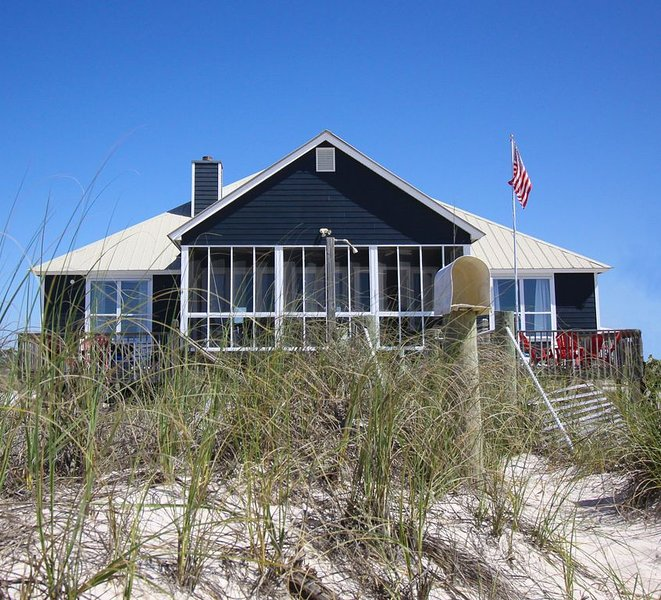 Best Bama Beach House!     NO DAMAGE FROM HURRICANE SALLY - OPEN AND RENTING NOW, alquiler de vacaciones en Fort Morgan