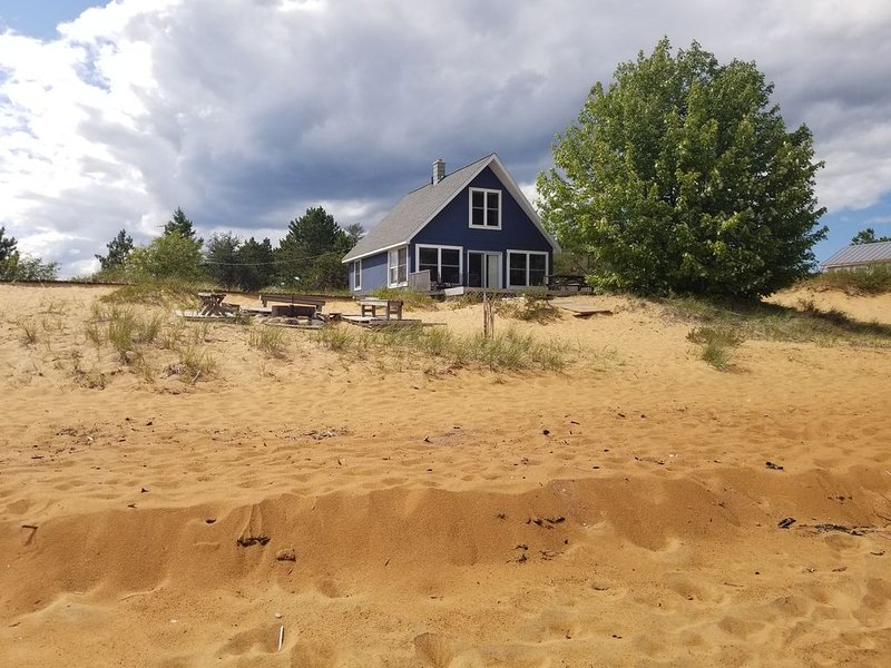 Best Beach on the Keweenaw - Big Traverse Bay on Lake Superior, holiday rental in Calumet