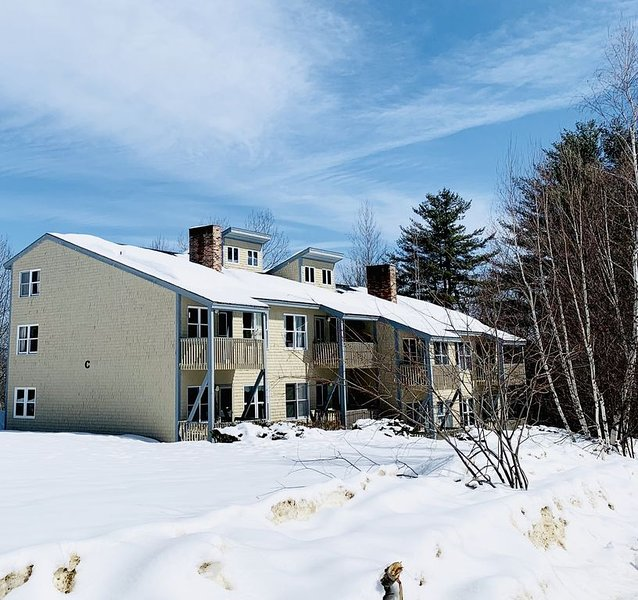 2 bed 2 bath condo perfect for adventure or relaxing Maine getaway, holiday rental in Woodstock