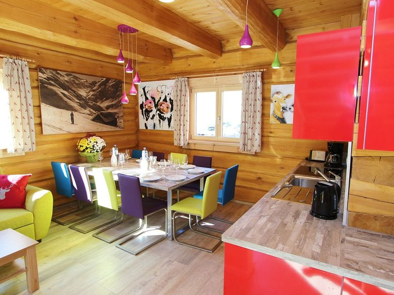 Chalet in Kaprun with Jacuzzi, Sauna, Balcony, Terrace, location de vacances à Kaprun