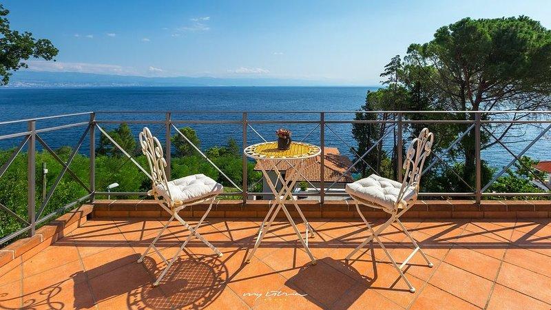 Beautiful sea front villa in Kvarner Bay, holiday rental in Moscenicka Draga