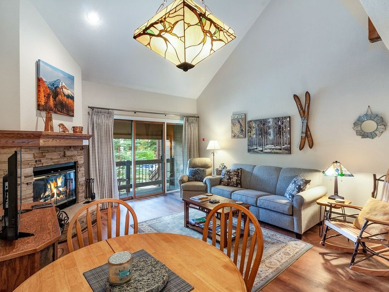 Serene, dog-friendly retreat w/ mountain view & shared hot tub - near Purgatory, holiday rental in Durango Mountain