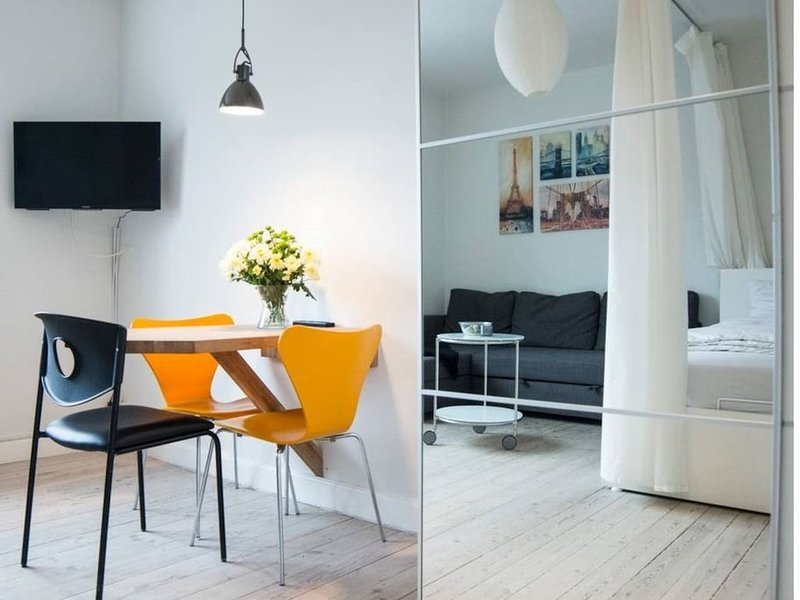 Great Centrally Apartment Near Amager Beach &metro, location de vacances à Malmö