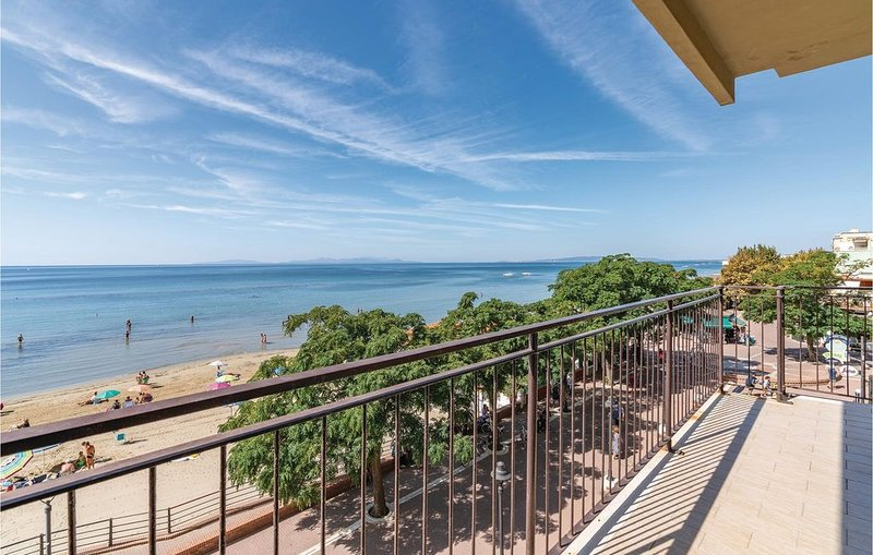 3 bedroom accommodation in Follonica (GR), holiday rental in Follonica