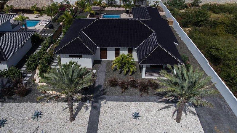*NIEUW* Villa Playa 6 personen op loopafstand van Jan Thiel Beach, aluguéis de temporada em Jan Thiel