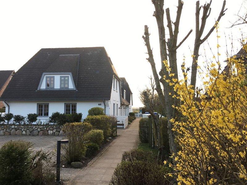 Kuschelige, helle Maisonettewohnung im schönen Friesendorf Keitum auf Sylt ❤️, location de vacances à North Friesian Islands
