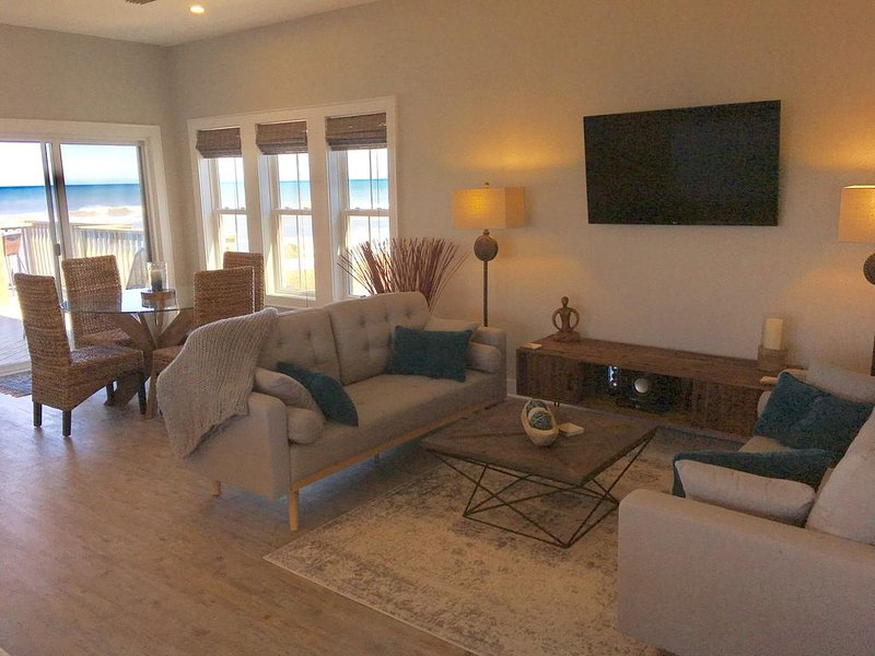 NEW LISTING: OCEANFRONT PENTHOUSE 2BR,2BA w/POOL!  Incredible Beach Property �!, holiday rental in Kill Devil Hills