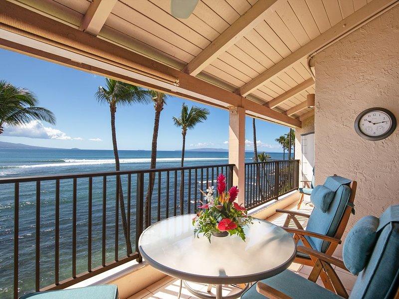 Maui Beautiful Prime Oceanfront, A/C, Nice Remodel! *Lauloa 409*, Ferienwohnung in Wailuku