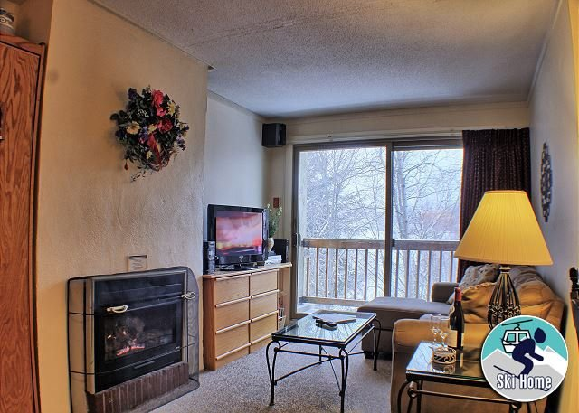 Ski home to this cozy condo with shuttle to Slopes Whiffletree F5, location de vacances à Killington