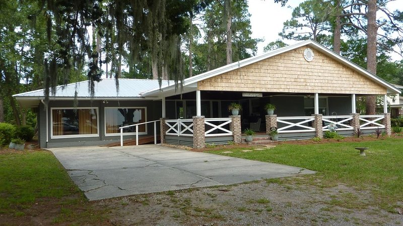 LET'S DO SUNSET - 3 Bedrooms, 2 Bathrooms, vacation rental in Jekyll Island