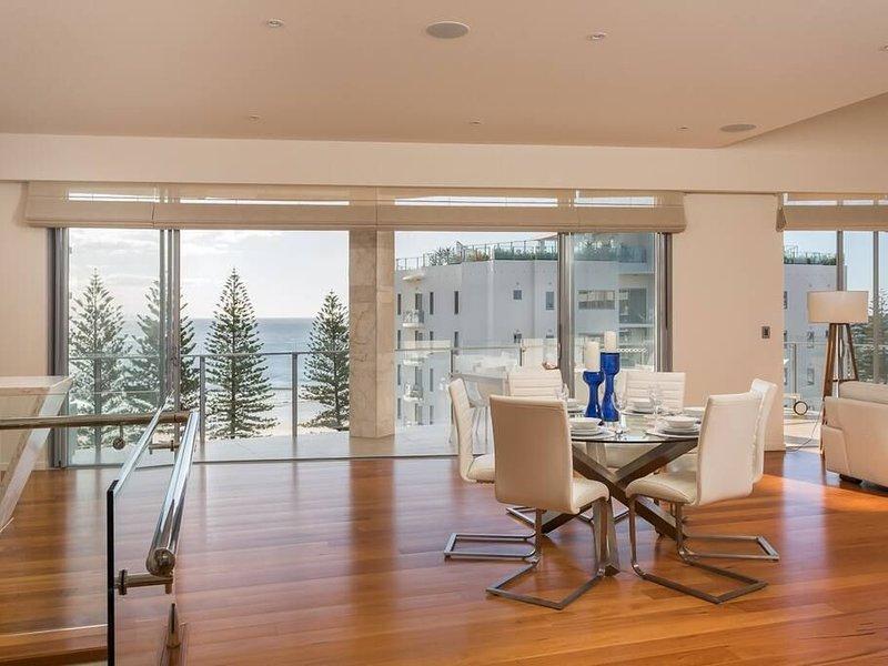Rainbow Bay Penthouse Luxe, The Jewel of the Maili Building, location de vacances à Fingal Head