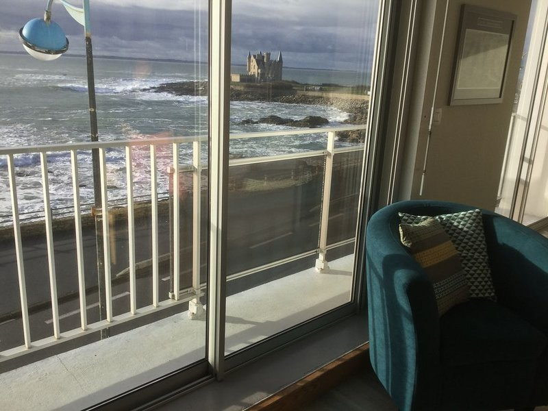Apartment 4-5 people in Quiberon with beautiful sea view, location de vacances à Quiberon