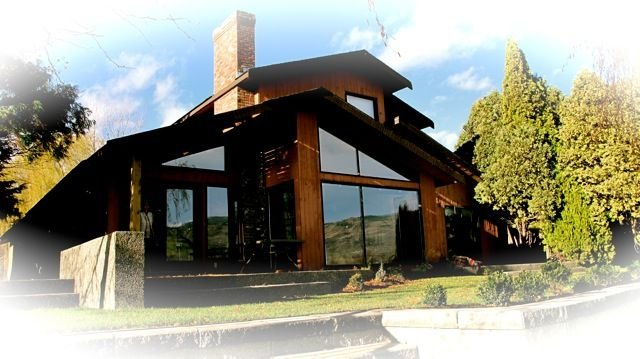 Stunning Lakefront Home, holiday rental in Osoyoos