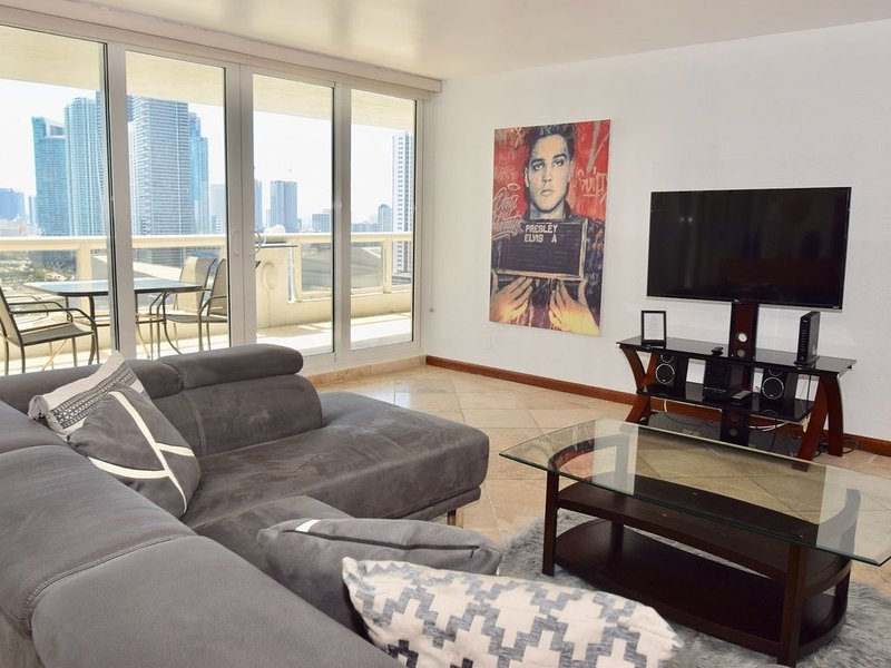 2754 Bayside Bliss (2 Bedroom Condo), vacation rental in Miami