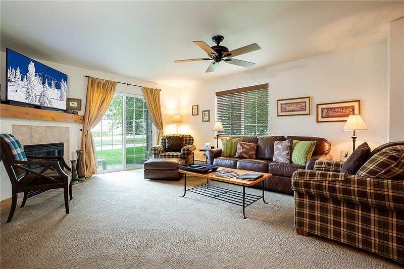 Villas at Walton Creek - V1414: 2 BR / 2 BA condominium in Steamboat Springs, S, vacation rental in Oak Creek