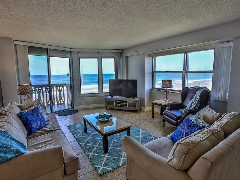 Panoramic Ocean Front Views From Your Amazing Beach Front Condo, Ferienwohnung in Ormond Beach
